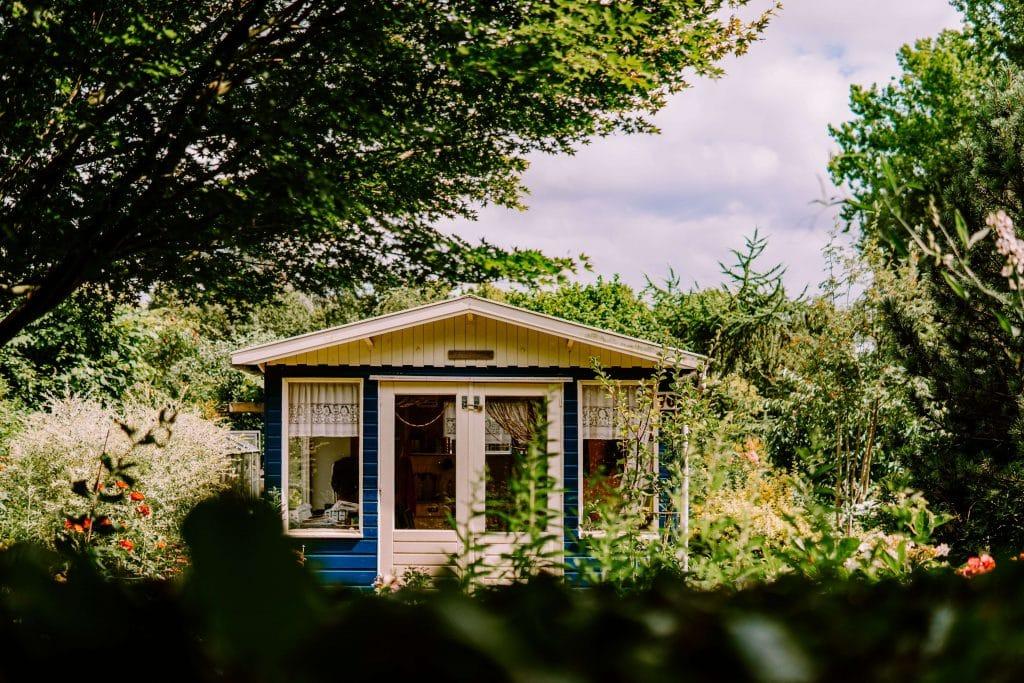 bureau dans le jardin abri jardin maison jardin bois créer une extension dans le jardin