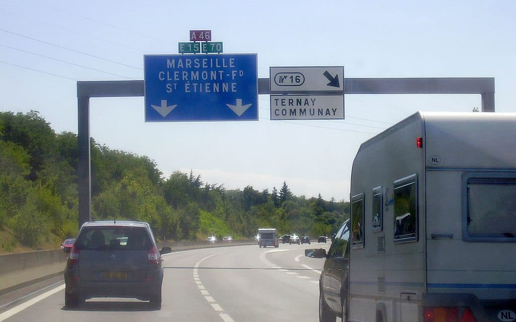 Débuts cahotiques de la concertation pour le passage de l'A46 B à 2X3 voies