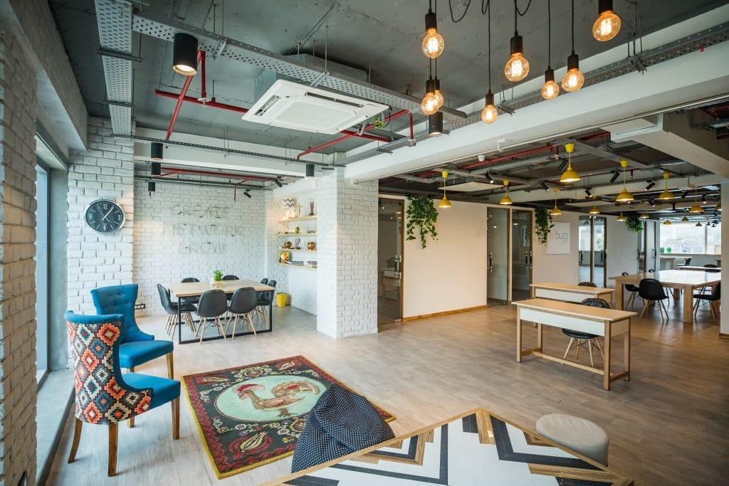 Centre d'affaires espace de travail développement TPE PME espace de réunion coworking