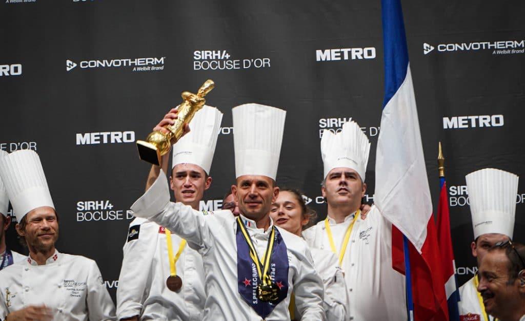 """Au Sirha où Davy Tissot remporte le Bocuse d'or, Emmanuel Macron annonce la création d'un """"centre d'excellence de la gastronomie française"""" à Lyon"""