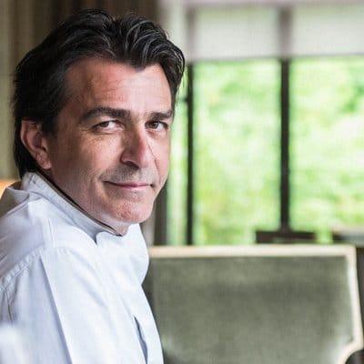 """Le chef triplement étoilé Yannick Aliéno va créer une """"Ecole de la sauce"""" à l'Institut Paul Bocuse"""