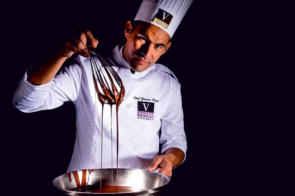 Broderie de qualité sur tablier de cuisine de Chef VATEL Gourmet de Lyon