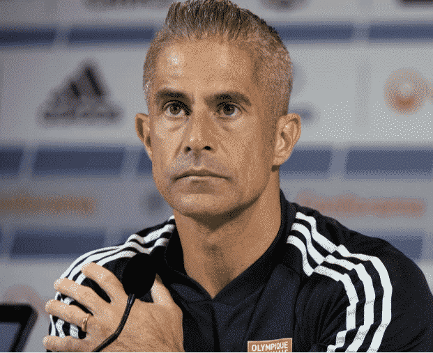 Olympique Lyonnais : polémique autour du projet de licenciement de l'entraîneur Sylvinho