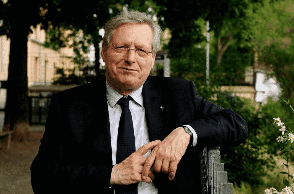 """Bernard Devert, président d'Habitat et Humanisme : """"L'économie solidaire, un nouvel équilibre pour un demain plus humain"""""""