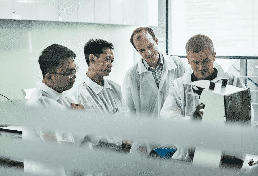 Virus : bioMérieux lance un test apte à détecter et  à distinguer Covid-19 et grippes