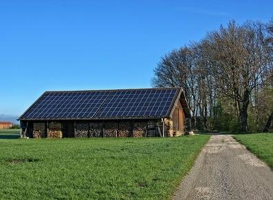 L'ossature en bois Douglas : pour se créer un carport solaire ?