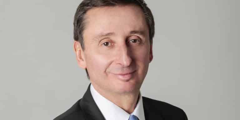 Pour Christophe Rollet, Directeur général de Point S(siège à Lyon) :  «Les fermetures d'usines de pneus ne sont pas dues à une surproduction ou à la concurrence chinoisemais aux surcoûts et taxes qui pénalisent trop les entreprises! »