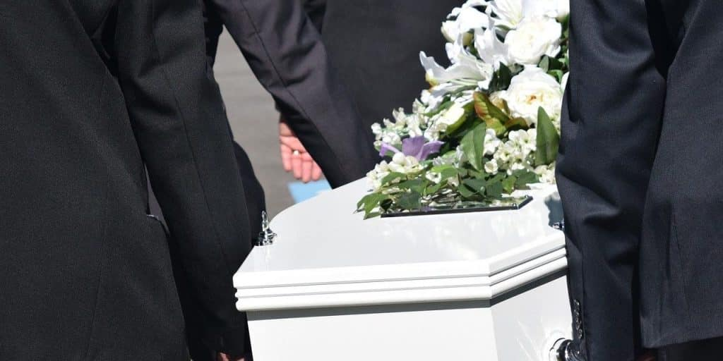 Covid-19 : comment se déroulent les obsèques ?
