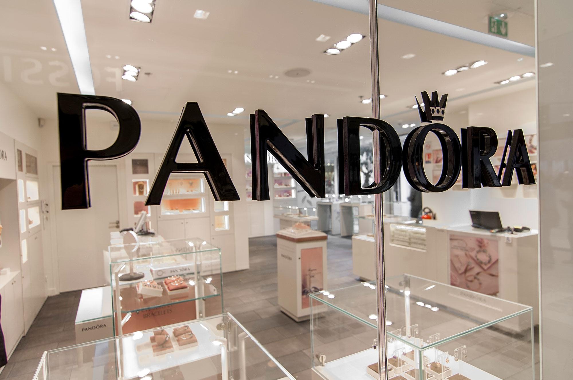 Deux nouvelles bijouteries, Pandora et Elsa Lee, s'implantent dans ...