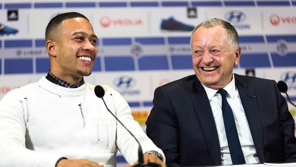 Economie du sport: l'Olympique Lyonnais débourse 16 millions d'euros pour Menphis Depay