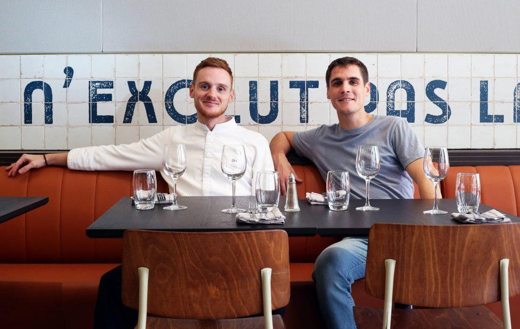 Le chef Guillaume Nierenberger et le gérant Arthur Buchard de la nouvelle brasserie Bouillon Baratte à Lyon