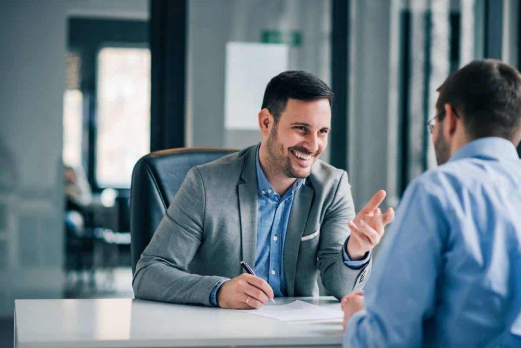 Reprise d'activité : faut-il se faire accompagner par un conseiller financier ?