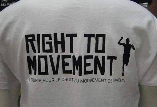 message sérigraphié au dos du t shirt