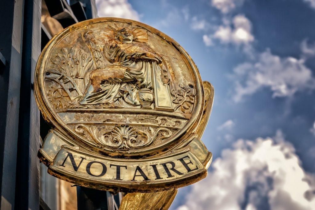 Comment choisir le bon notaire avec un annuaire de notaire à Lyon?