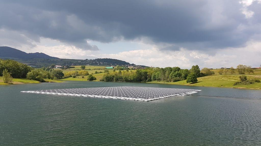 « Ô Solaire », le premier parc flottant photovoltaïque à 430 000 euros de la CNR à Mornant