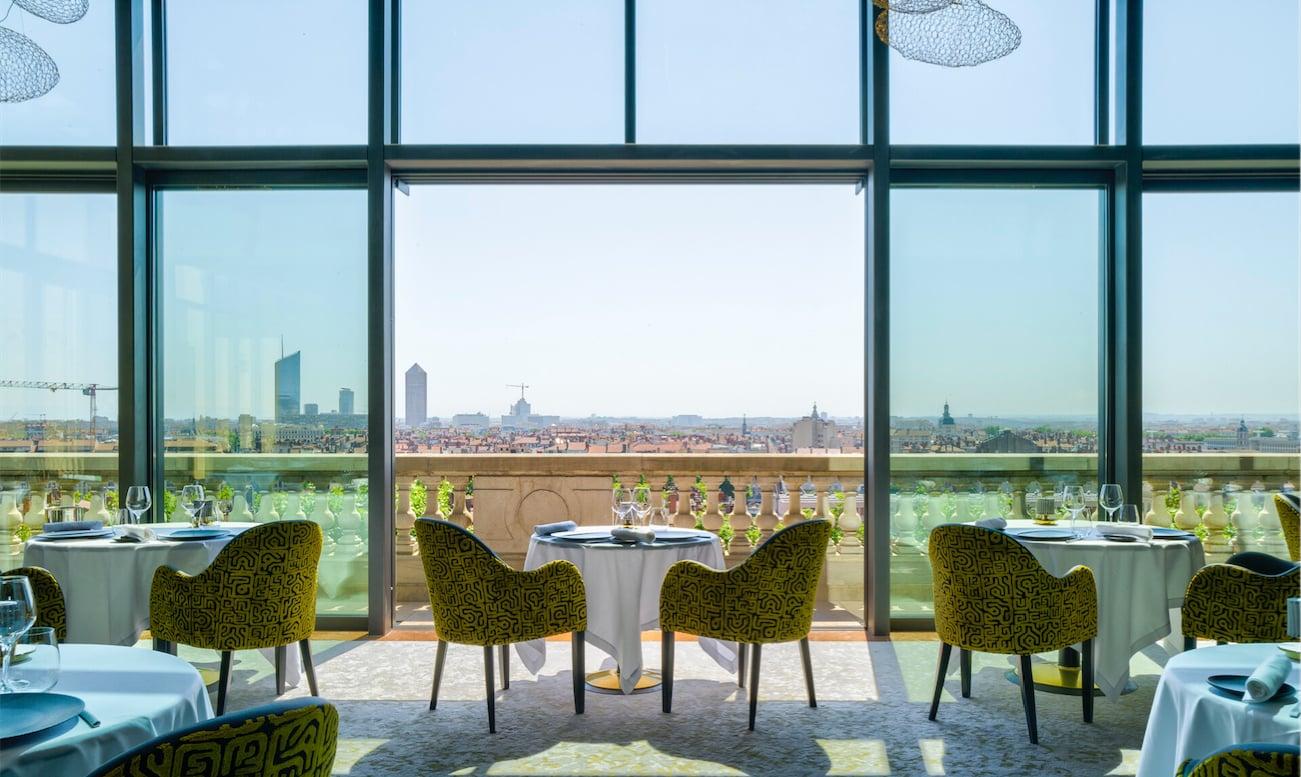 Vue sur tout Lyon depuis la verrière panoramique de la Villa Florentine