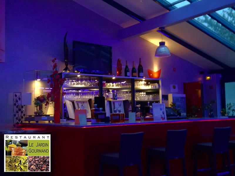Piano bar pour repas dansants et soirées animées au Sophora 73 de Jardin Gourmand
