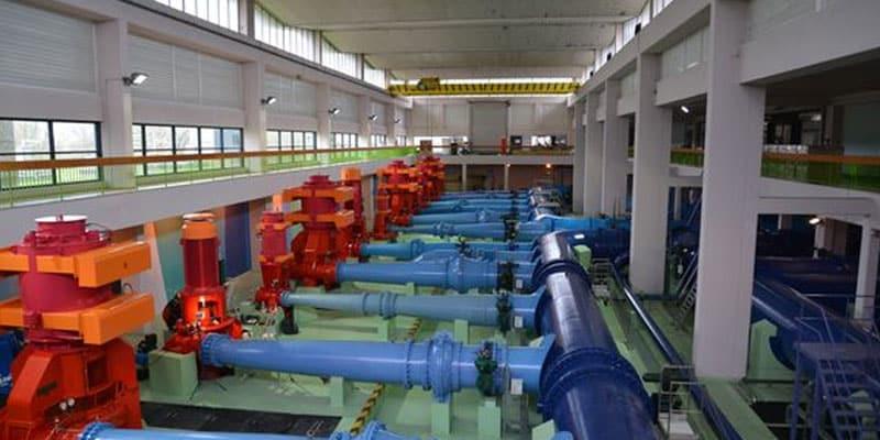 Le président de la Métropole, Bruno Bernard veut lâcher Véolia pour créer une régie publique de l'eau : les avantages et les inconvénients