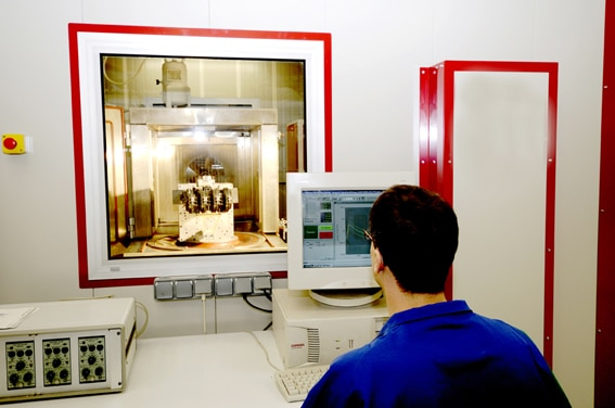 Rhodia inaugure à Saint-Fons un centre de recherche consacré aux matériaux du futur