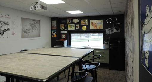 L'Annexe - salle de réunion conceptualisée pour séminaires d'entreprises