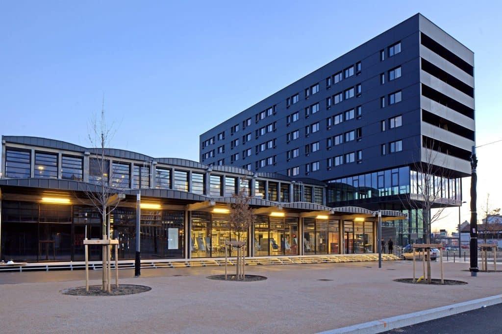Une nouvelle Ecole de Design taillée pour 450 étudiants ouvre ses portes à Lyon Confluence
