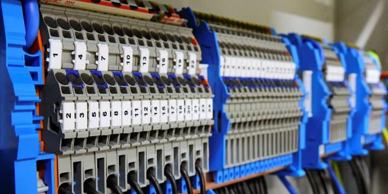 Tableau électrique posé par un électricien à Lyon