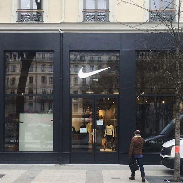release date: special section outlet for sale Un 2ème « Nike Store » annoncé au centre commercial « Carré ...